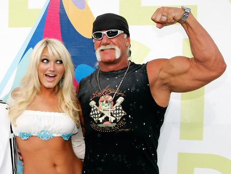 hogan_hulk_with_Brooke