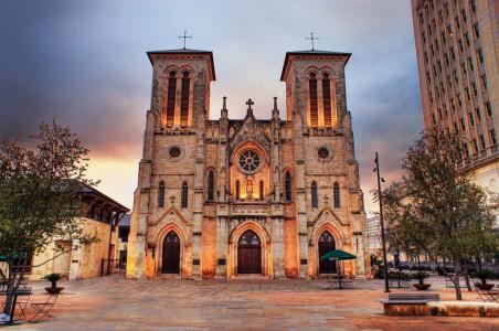 San Fernando Cathedral in San Antonio TX. Photo from flickr.com by Katie Haugland