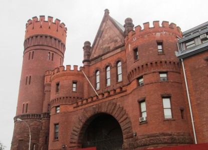 23rd REgiment Armory in Brooklyn. Picture courtesy of commons.wikimedia.org
